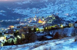 Agnone panorama notturno con la neve