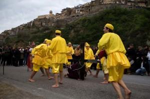 gesù cade frustato dai giudei - Badolato - Sabato Santo - Gilbotulino