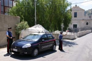 Davoli (Cz): in auto con la pistola e un coltello di genere vietato, arrestati dai carabinieri.