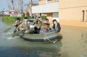 esercito_modena_alluvione1