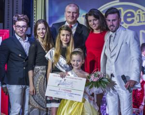 Micole De Paola con Giuria ed organizzatori