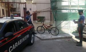 Palermo. Si arrampica su impalcatura per rubare biciclette, arrestato dai Carabinieri.