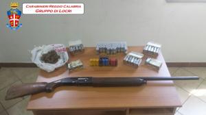 San Luca (Rc). Rinvenimento di un fucile con matricola abrasa, diverse cartucce di vario calibro e di sostanza stupefacente.