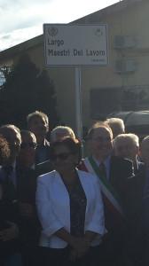 Borgia - largo maestri del lavoro - foto sindaco e prefetto1