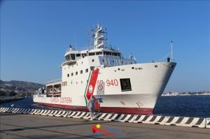 Messina. Immigrati: in 800 sono arrivati a bordo della nave Dattilo-CP940 della Guardia Costiera.