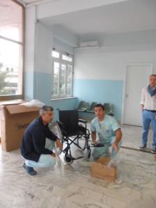 """Chiaravalle Centrale (Cz). Grazie all'Operazione Scambio 1 è stata consegnata una sedia a rotelle al """"Posto di Primo Intervento"""" della Casa Salute ex ospedale """"San Biagio""""."""