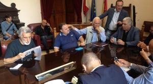 Piemonte, il sindaco firma l'ordinanza anti chiusura. A Palermo arriva il parere del Ministero. FOTO