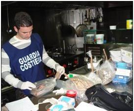 """Guardia Costiera: operazione parigghia"""". Controllata l'intera Calabria e Lucania: 9.000 metri di reti illegali ed oltre 750 kg di prodotti ittici sequestrati e sanzioni per circa 28.000 euro."""