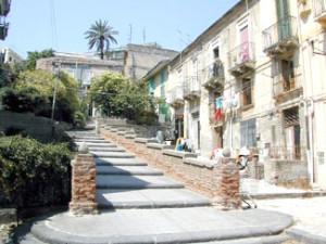 """Messina. Dal web alla riqualificazione urbana: proseguono le attività del progetto le """"Scalinate dell'Arte""""."""