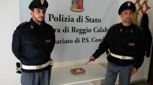 Montebello Ionico (Rc). Polizia: trasportava un panetto di cocaina, misura cautelare della custodia in carcere.