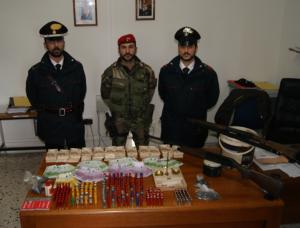 Placanica (Rc). Trovato in possesso di armi, munizioni e  cocaina: 26enne arrestato dai Carabinieri per