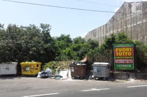 strade sporche e discariche a san giovanni galermo   (1)