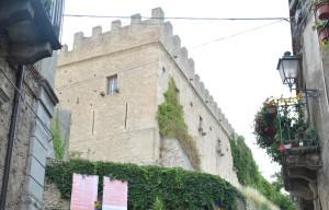"""Montalbano Elicona (Me). Primo raduno di fotografi e foto amatori: """"I Siculi Fotografici nel Borgo Fiorito più Bello d'Italia"""""""