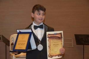Crosia (Cs). Il piccolo musicista crosimirtese in un mese ha ottenuto numerosi premi nazionali e internazionali