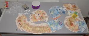 Messina. Servizi antidroga. Pusher messinese arrestato dalla Polizia. Rinvenuti e sequestrati cocaina e denaro provento dell'attività di spaccio.