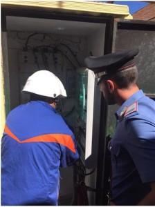 Azienda di Ciro' Marina (Kr) allacciata illegalemnte alla rete elettrica, intervengono i Carabinieri.