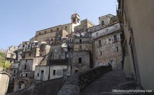 Badolato borgo - rione mancuso con chiesa Matrice