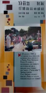 Giovanni Paolo II visita la tomba di Lejeune