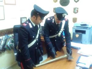 Motta San Giovanni (Rc), violazione di domicilio aggravata, minacce aggravate e porto abusivo di un'ascia, i Carabinieri arrestano un pregiudicato.