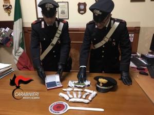 Taurianova (Rc). Donna di Taurianova arrestata dai Carabinieri per detenzione ai fini di spaccio di sostanze stupefacenti.
