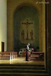 Alta uniforme in cattedrale