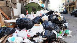 Milazzo. Protesta dei lavoratori del settore rifiuti, raccolta avviata solo in tarda mattinata