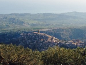 badolato-borgo-visto-dalla-guardia