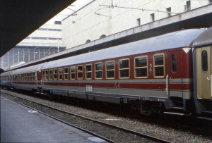 carrozze-fs-anni-80-90-qui-a-roma-termini