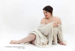 """""""Vivere bene con se stesse, in salute, felici delle proprie curve"""": lettera aperta della modella curvy Maria Cilurso"""