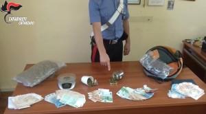 Soverato (Cz). Oltre 900 grammi di marijuana e 13.000,00 € in contanti: 2 arresti dei Carabinieri