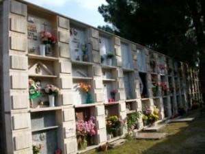cimitero-di-badolato-tombe-foto-1