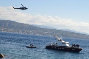 esercitazione-congiunta-elicottero-motovedetta-subacquei-1