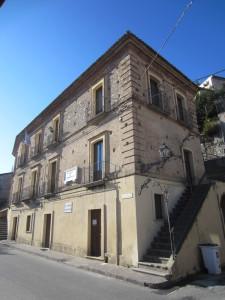 guardavalle palazzo comune