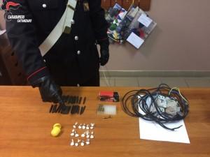 Badolato (Cz). Allaccio abusivo, munizioni e cocaina: 2 arresti dei Carabinieri