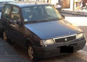 Consigliera Comunale di Catania Ersilia Saverino : Auto abbandonate nelle strade della città.