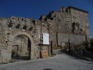 """Roccella Jonica (Rc). """"Natale al Castello"""", prima dizione, organizzata dall'Amministrazione Comunale."""