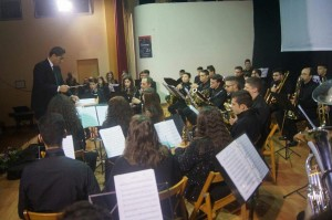 """Un successo il concerto d'inizio anno dell'Orchestra di fiati """"Puccini"""" di Mirto (Cs)"""