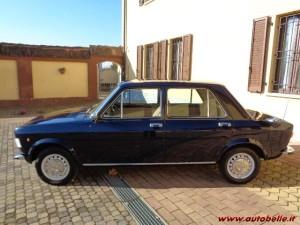 fiat-128-berlina-4-porte-blu-di-fianco