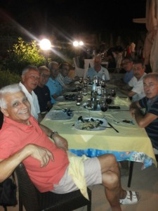 tavolata-serale-enzo-ermocida-ed-amici