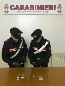 Barcellona P.G. (Me):arrestati in flagranza dai Carabinieri due giovani per evasione e detenzione ai fini di spaccio di sostanze stupefacenti.