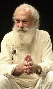 tiziano-terzani-con-barba-fluente