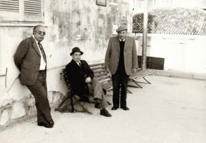 avv-parretta-nocita-seduto-crisafi-1975-badolato-marina-foto-domenico-lanciano-1950