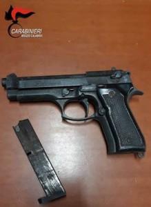 Gioiosa Jonica (Rc). 59enne arrestato dai Carabinieri con l'accusa di detenzione illegale di arma clandestina.