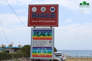 Calabria. I volti dei luoghi dell'accoglienza. L'esperienza dei soci Murgia Enjoy a Riace, Camini e Stignano.