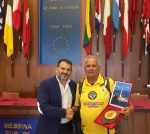 Messina. Ricevuto dall'Assessore Scattareggia il maratoneta 84enne  Belliere
