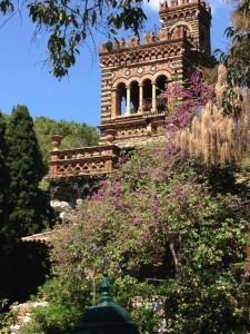 Taormina (Me). L'associazione TOR chiede un incontro urgente con il Sindaco: le meravigliose Beehives della Villa Comunale sono a rischio crollo.