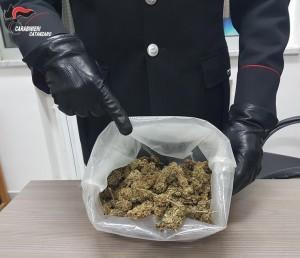 Chiaravalle Centrale (Cz): deteneva marijuana all'interno di uno zainetto, arrestato dai Carabinieri della locale stazione.