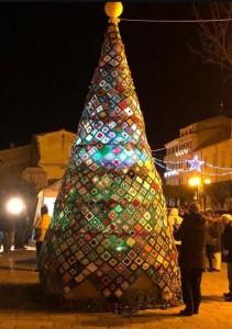 Trivento (Campobasso), albero di Natale all'uncinetto