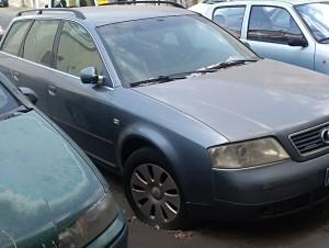 """Catania. Comitato spontaneo """"Terranostra""""  su auto e furgoncini abbandonati nelle strade."""
