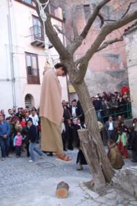 impiccagione-di-giuda-a-gratteri-sicilia